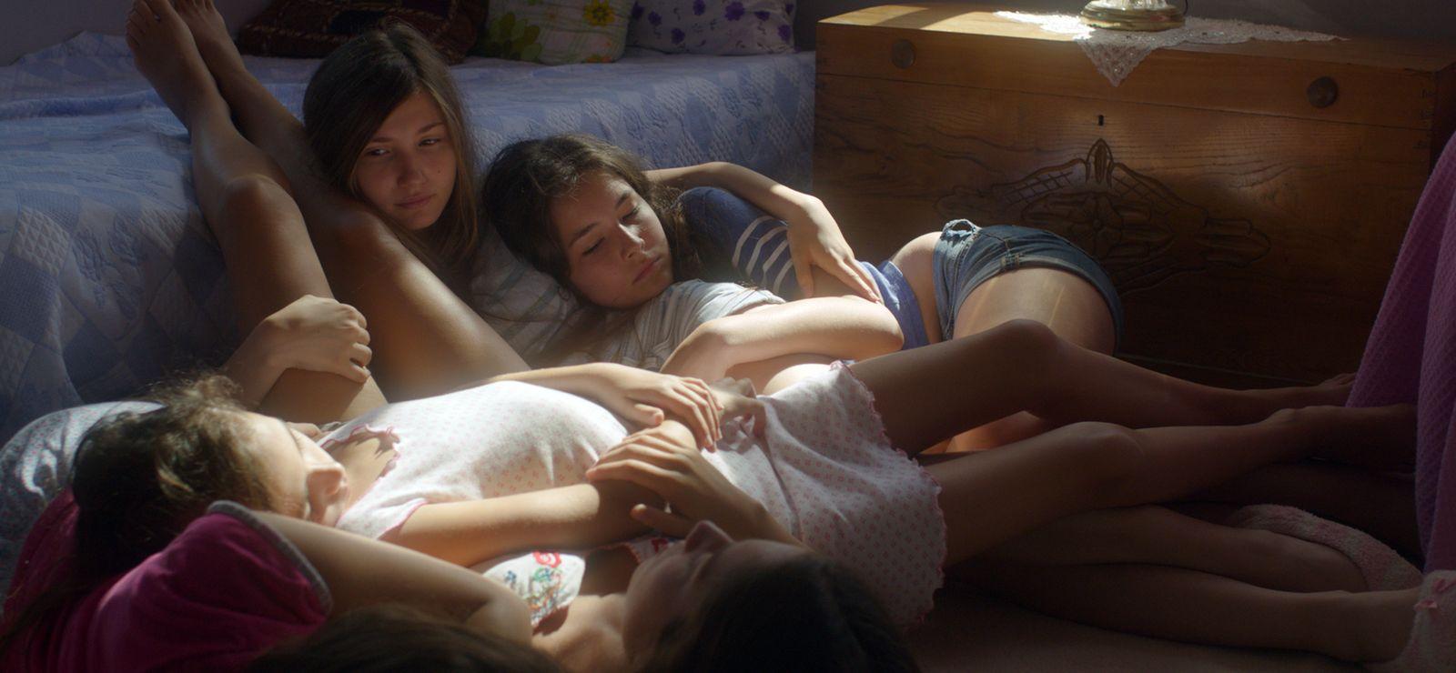 Порно девочки лесбиянки смотреть