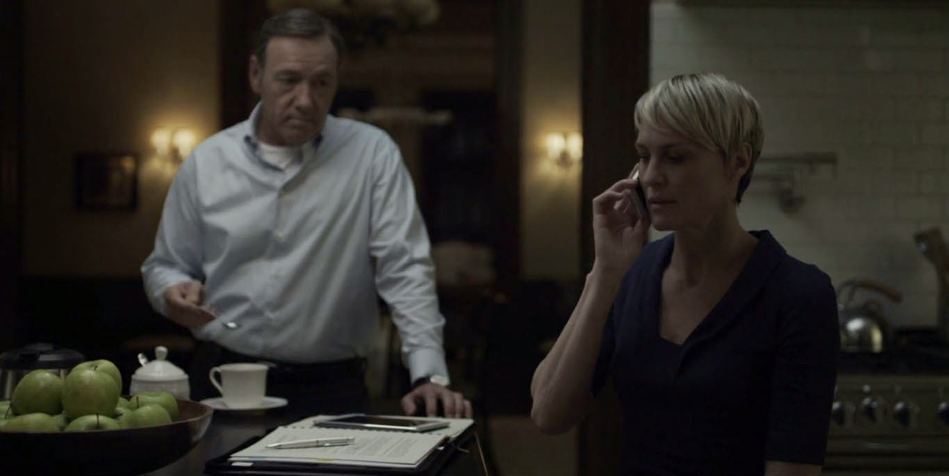 house-of-cards-kevin-spacey-kitchen-frank-underwood